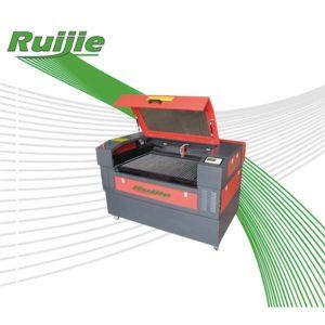 Лазерный гравировальный станок для рекламного производства